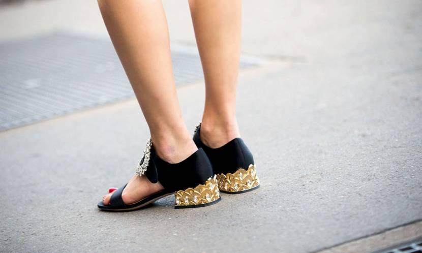 Bu Sezon Ayaklarınız Konfora Doysun; Alçak Topuklu Sandaletler!