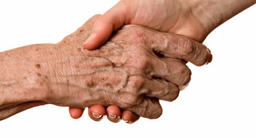 Yaşlılık Lekeleri Nasıl Çıkar ve Doğal Tedavisi